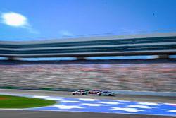 Danica Patrick, Stewart-Haas Racing Ford, Denny Hamlin, Joe Gibbs Racing Toyota, Ty Dillon, Germain