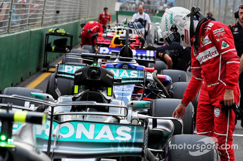 Sebastian Vettel, Ferrari mengintip mobil Mercedes AMG F1 W08