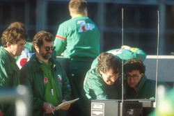Jordan team boss Eddie Jordan checks out the telemetry readings with car designer Gary Anderson