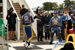 Ganador de la carrera Alexander Rossi, Curb Herta - Andretti Autosport Honda celebra
