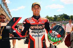 Ganador de la pole Chaz Davies, Ducati Team