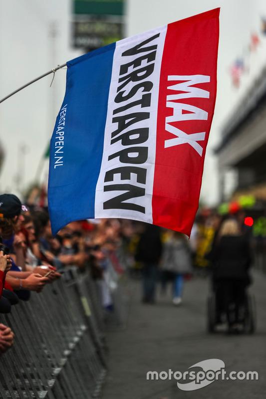 Max Verstappen, Red Bull Racing flag