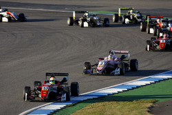 Start action, Callum Ilott, Prema Powerteam, Dallara F317 - Mercedes-Benz leads