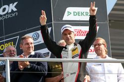 Podium: Race winner Harald Proczyk, HP Racing, Opel Astra TCR