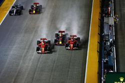 Accrochage Kimi Raikkonen, Ferrari SF70H, Max Verstappen, Red Bull Racing RB13 et Sebastian Vettel, Ferrari SF70H
