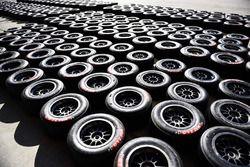 Neumáticos MRF