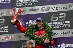 Podio: tercer lugar Pepe Oriola, Craft Bamboo Racing, SEAT León SEQ