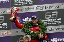 Podium: third place Pepe Oriola, Craft Bamboo Racing, SEAT León SEQ