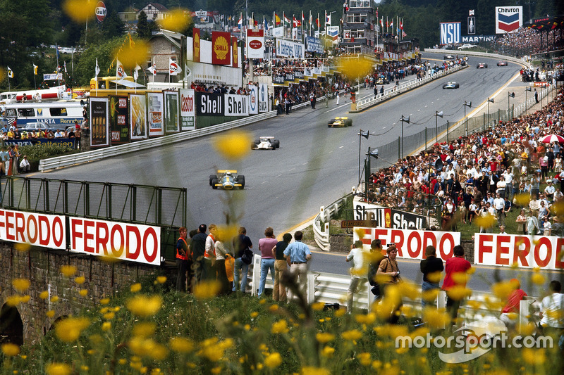 Jack Brabham, Brabham, Jackie Oliver, BRM, Ronnie Peterson, March, e Henri Pescarolo, Matra, Eau Rouge in 1970
