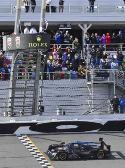 #10 Wayne Taylor Racing Cadillac DPi: Ricky Taylor, Jordan Taylor, Max Angelelli, Jeff Gordon takes