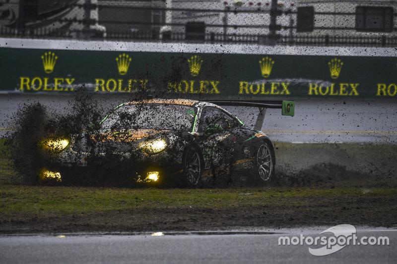 #28 Alegra Motorsports Porsche 911 GT3 R: Daniel Morad, Jesse Lazare, Carlos de Quesada, Michael de Quesada, Michael Christensen