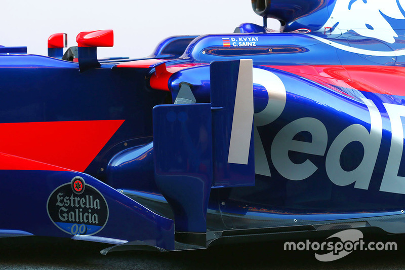 Scuderia Toro Rosso STR12 sidepod detail
