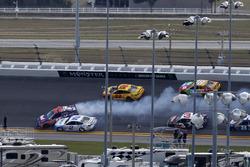 Denny Hamlin, Joe Gibbs Racing Toyota, crash