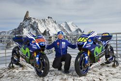 Movistar Yamaha MotoGP Team Director Massimo Meregalli with the 2016 Yamaha YZR-M1s of Jorge Lorenzo and Valentino Rossi, Yamaha Factory Racing