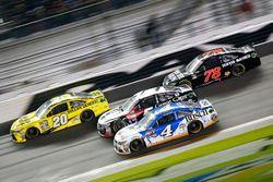 Matt Kenseth, Joe Gibbs Racing Toyota; Kasey Kahne, Hendrick Motorsports Chevrolet; Kevin Harvick, S