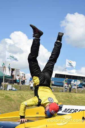 Felipe Giaffone comemora vitória em Santa Cruz do Sul