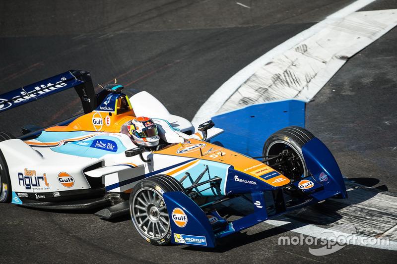 Антониу Феликс да Кошта за рулем машины команды Формулы Е Team Aguri