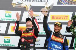 Antonio Felix da Costa y Allam Khodair reciben su trofeo