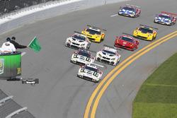 发车:#911 保时捷北美车队 保时捷991 RSR:尼克·坦迪、帕特里克·皮雷、凯文·埃斯特雷;#912 保时捷北美车队 保时捷991 RSR:迈克尔·克里斯滕森、厄尔·班博、弗雷德里克·马克维斯基