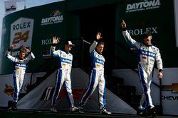 Джон Пью, Освальдо Нери, Эй-Джей Алмендингер и Оливер Пла, #60 Michael Shank Racing with Curb/Agajanian Ligier JS P2 Honda