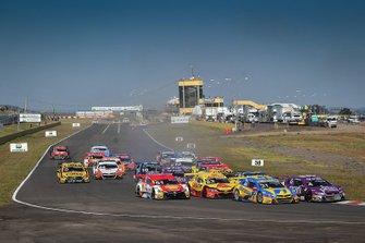 Largada da corrida 1 da etapa de Santa Cruz do Sul da Stock Car