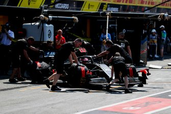 Kevin Magnussen, Haas F1 Team VF-19, is returned to the garage