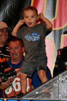 Stewart Friesen, Halmar Friesen Racing, Chevrolet Silverado Halmar International celebrates this win