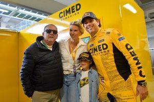 Galvão Bueno, Cacá e família na Corrida do Milhão da Stock Car