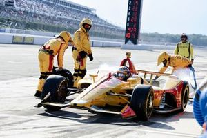Ryan Hunter-Reay, Andretti Autosport Honda leaves the pits