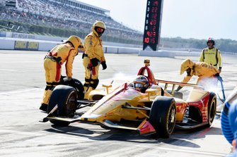 Ryan Hunter-Reay, Andretti Autosport Honda leaves the pits