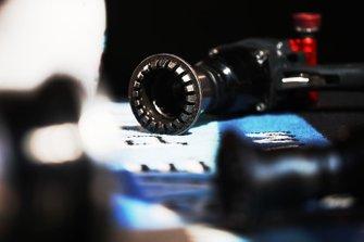 Mechanics wheel gun detail