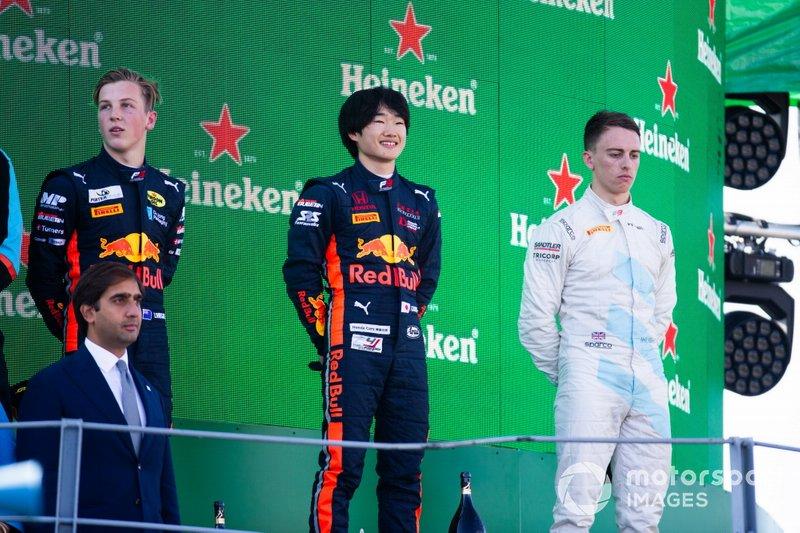 Yuki Tsunoda, Jenzer Motorsport Liam Lawson, MP Motorsport y Jake Hughes, HWA RACELAB
