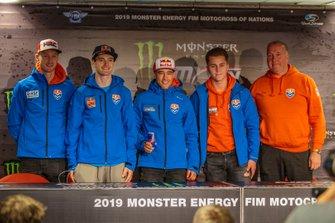 Calvin Vlaanderen, Jeffrey Herlings, Glenn Coldenhoff, Roan van de Moosdijk, Bondscoach Patrice Assendelft van Team Nederland