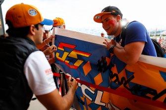 Carlos Sainz Jr., McLaren, meets fans