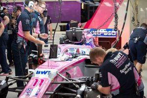 Sergio Perez, Racing Point RP19, au garage