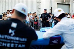 Police security at the autograph session