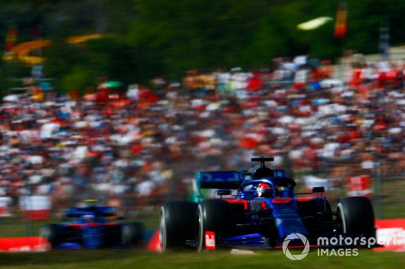 Daniil Kvyat, Toro Rosso STR14, Alexander Albon, Toro Rosso STR14