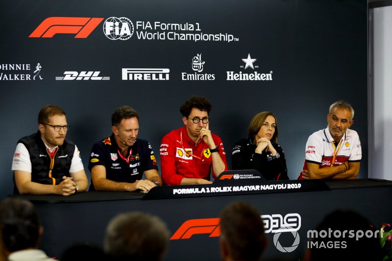 Andreas Seidl, Team Principal, McLaren, Christian Horner, Team Principal, Red Bull Racing, Mattia Binotto, Team Principal Ferrari, Claire Williams, Team Principal adjointe, Williams Racing, et Beat Zehnder, Team Manager, Alfa Romeo Racing, en conférence de presse
