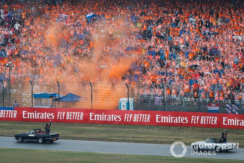 Max Verstappen, Red Bull Racing RB15, Pierre Gasly, Red Bull Racing RB15, en el desfile de pilotos