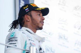 Winnaar Lewis Hamilton, Mercedes AMG F1, op het podium