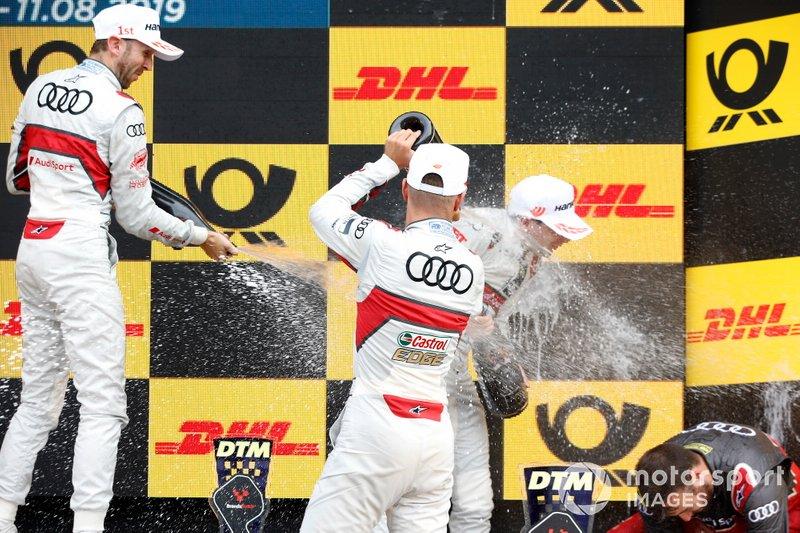 Podium: Racewinnaar René Rast, Audi Sport Team Rosberg, tweede plaats Nico Müller, Audi Sport Team Abt Sportsline, derde plaats Robin Frijns, Audi Sport Team Abt Sportsline