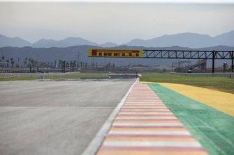 Track, long straight