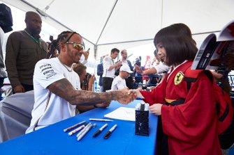 Lewis Hamilton, Mercedes AMG F1, meets fans