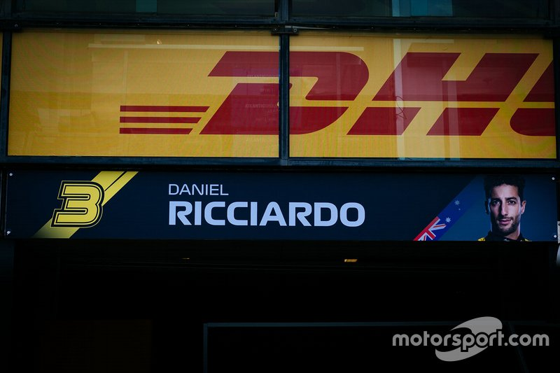 Papan nama Daniel Ricciardo, Renault F1 Team