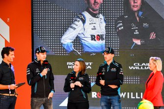 Mark Webber, George Russell, Claire Williams y Robert Kubica