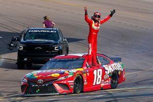 Race Winner, Kyle Busch, Joe Gibbs Racing, Toyota Camry SKITTLES