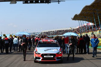 Safety car, Grid