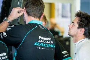 Nelson Piquet Jr., Panasonic Jaguar Racing, Jaguar I-Type 3, in the garage with his team