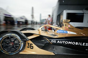 Andre Lotterer, DS TECHEETAH, DS E-Tense FE19 exits the garage