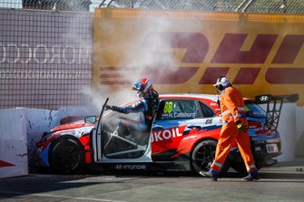 Crash: Nicky Catsburg, BRC Hyundai N LUKOIL Racing Team Hyundai i30 N TCR